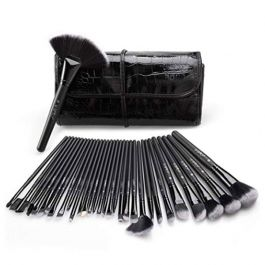 32 Pieces Professional Makeup Brushes with Case